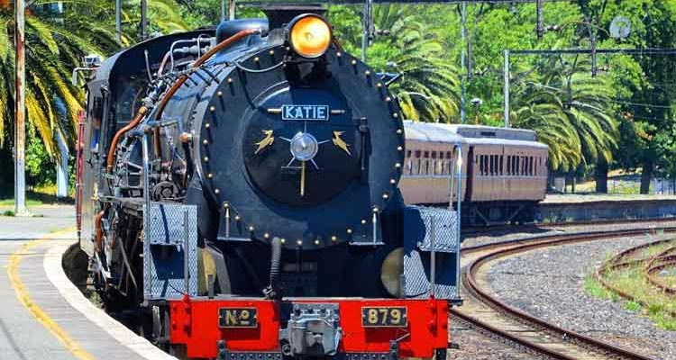 Take a steam train to the Cape Winelands
